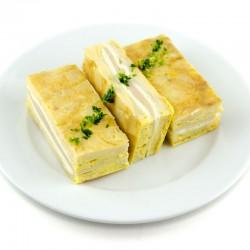 Tortilla rellena de jamón cocido y queso